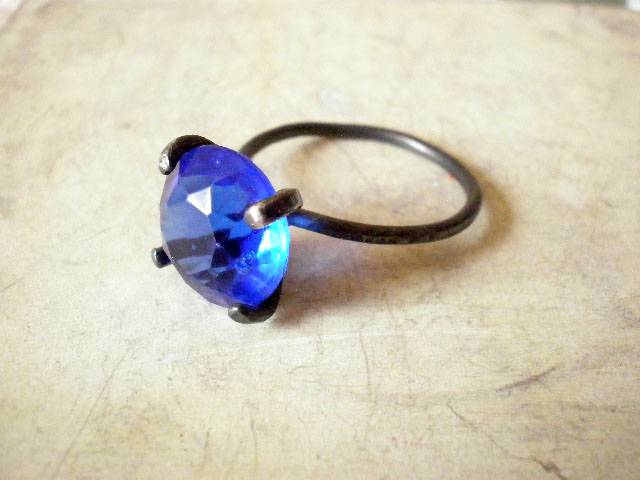 Sapphire blue vintage Czech glass ring- Oxidized sterling silver ring- size 8.5